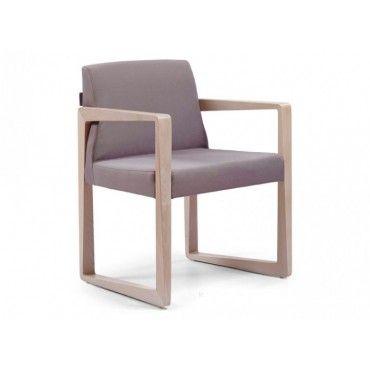 Πολυθρόνα 900. Πολυθρόνα με ξύλινο σκελετό από φουρνιστή οξιά, σε χρώμα βαφής και χρώμα υφάσματος-δερματίνης επιλογής σας. Κατάλληλη για καφετέριες, μπαρ, ξενοδοχεία.