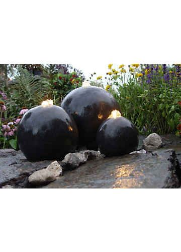 The Sleek Black Spheres Of This London Water Feature Are Effortlessly  Contemporary. If You Are Looking For Garden Water Features That Create A  Spectacle ...