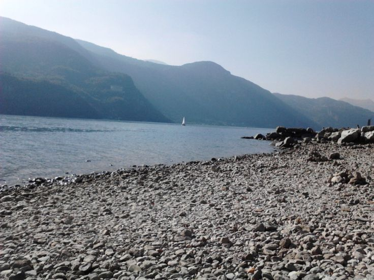 Lago Abbadia nel Abbadia Lariana, Lombardia