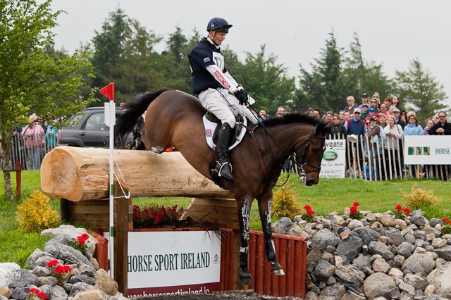 """Neck straps are not just for beginners"" says William Fox-Pitt 