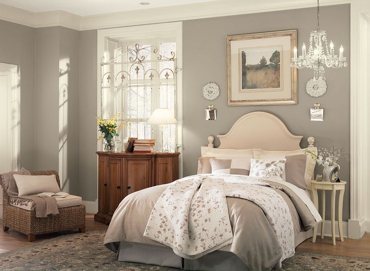 Benjamin Moore Paint Colors - Neutral Bedroom Ideas - Ethereal Bedroom Elegance - Paint Color Schemes . . . . . A trio of soft neutrals echoes this bedroom's easy, uncomplicated style. . . . . . Walls - Ashley Gray (HC-87); Ceiling - White Blush (OC-86); Trim - Frappe (AF-85).