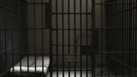 După închisoare, din nou închisoare! Pățania unui bărbat din Capitală (VIDEO)