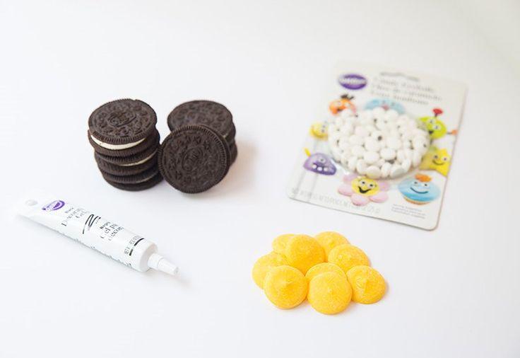Maak binnen 5 minuten deze coole minion koekjes met maar 4 ingrediënten! Leuk voor de kids! - Zelfmaak ideetjes