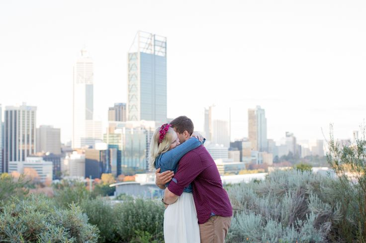 Natural wedding & engagement photography in Kings Park Perth, WA.