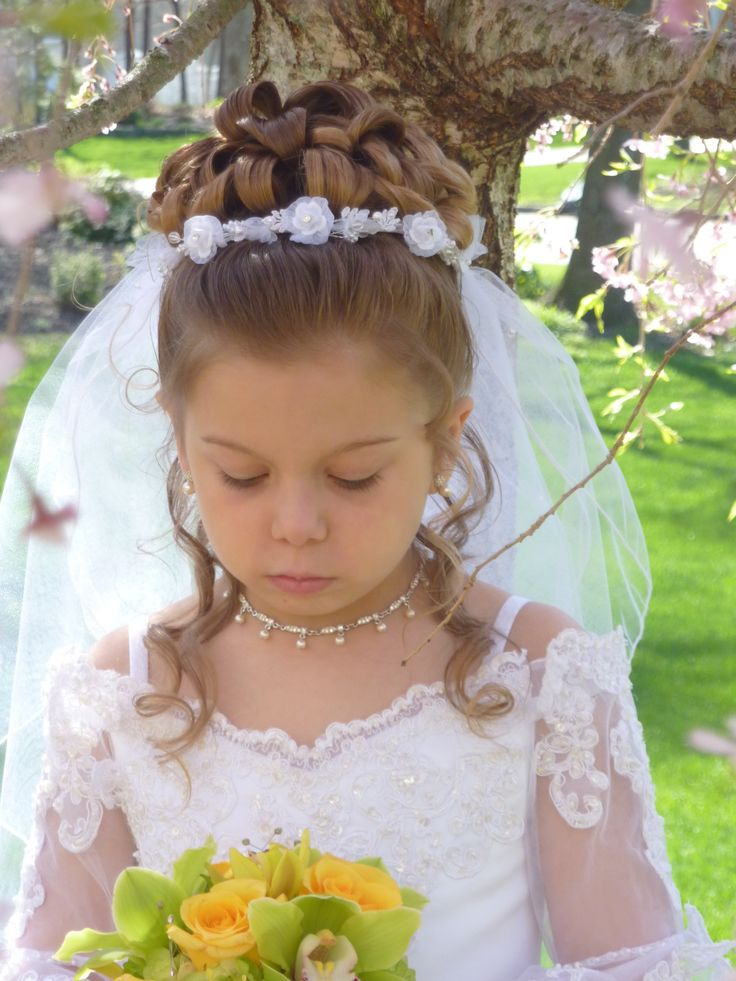 Communion Half Up Half Down with Veil Placement #communionhairideas #communionhair #kidspa #kidshairstyling