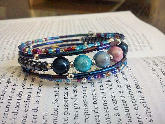 Bracelet mémoire perles dégradés de bleu par LeManegeSurLaColline