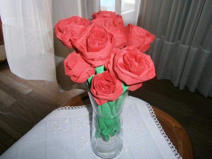 Lia B. Creations: Crepe paper roses