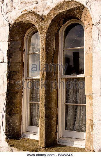 weathered-stone-window-b6w84x.jpg (347×540)