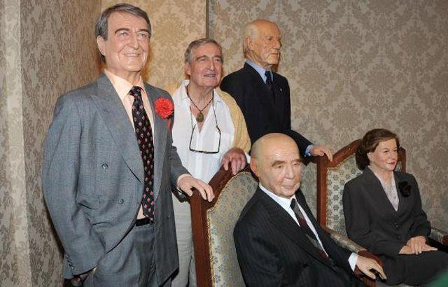Eskişehir'e gelen Rahmi Koç, Odunpazarı semtindeki Büyükşehir Belediyesi Yılmaz Büyükerşen Balmumu Heykeller Müzesi'ni ziyaret etti.