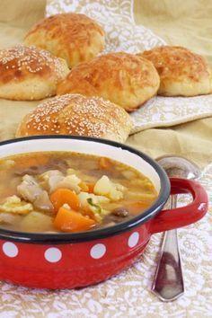 Hegyháti leves krumplipogácsával