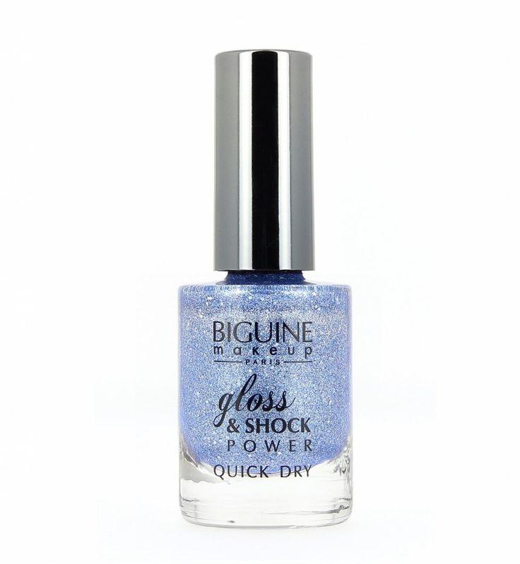 Vernis bleu glitter, Biguine Makeup - Cosmopolitan.fr