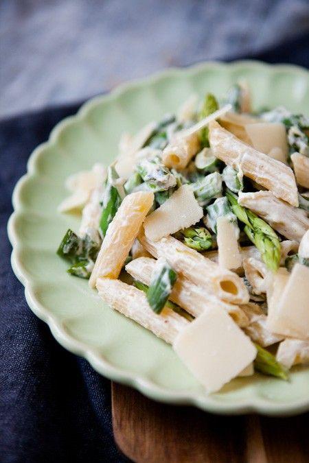 Pasta mit grünem Spargel und Zitronenricotta - http://www.kuechenchaotin.de