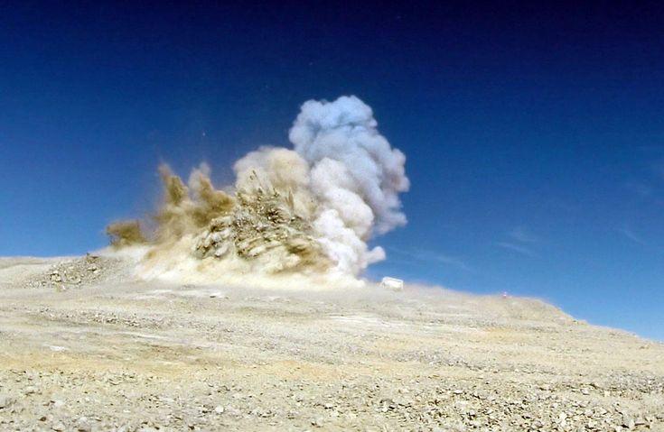 Chile aplana una montaña para construir el telescopio más grande del mundo