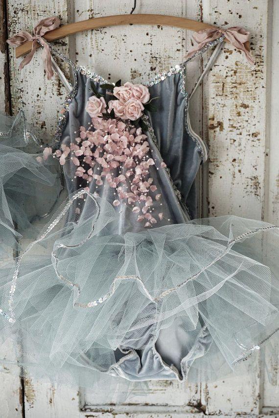 Due costumi balletto grigio impreziosito di AnitaSperoDesign