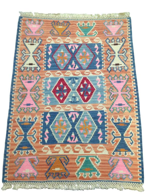 17 best tapis kilim ethnique vintage vintage kilim rug. Black Bedroom Furniture Sets. Home Design Ideas