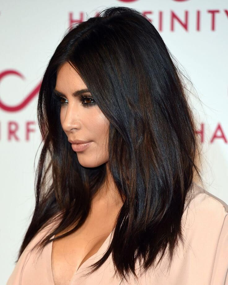 Casual straight hairstyle – dark chocolate brunette hair color