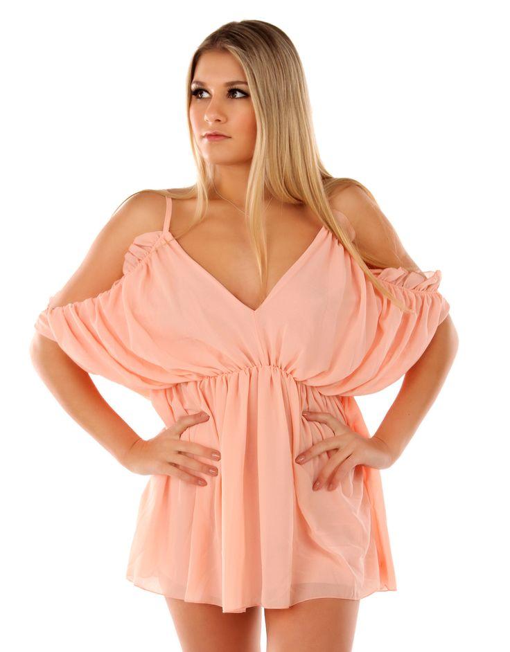 Deze leuke playsuit kan je bestellen voor 34,95 EUR bij http://www.fashionparadise.eu