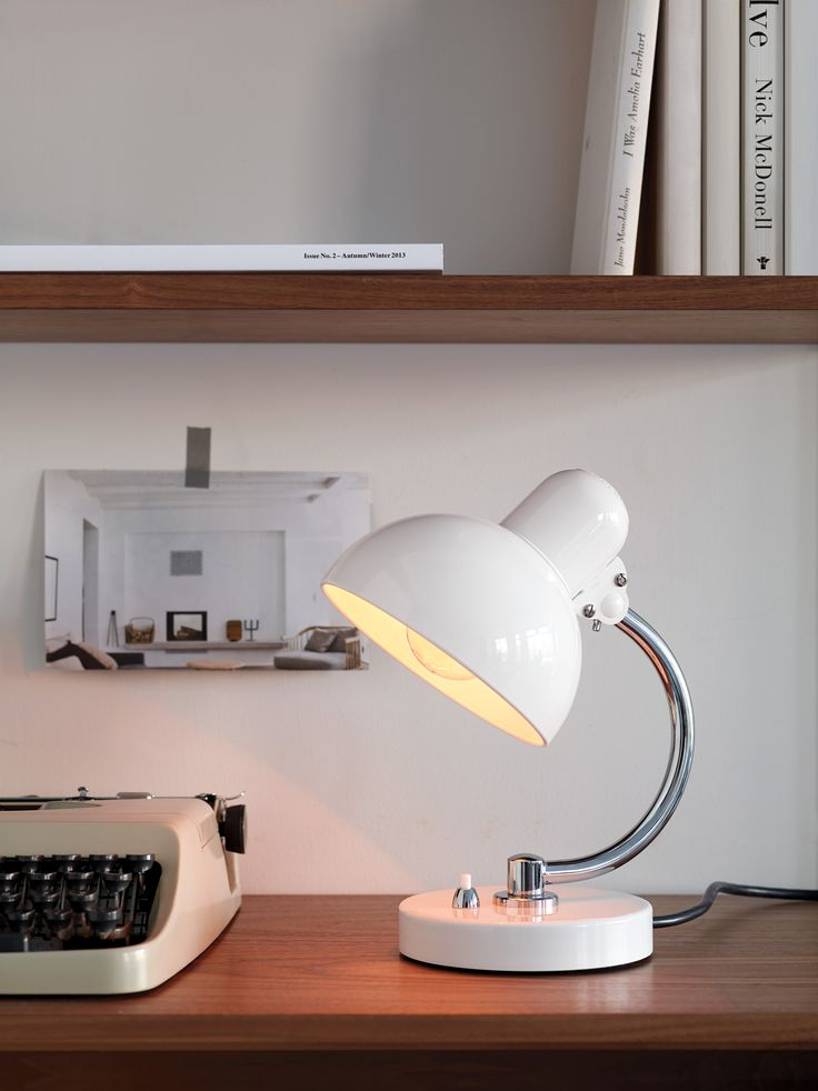 Home office ǁ fritz hansen products 6722 t tablelamp by kaiser idell