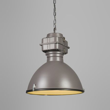 Hanglamp Sicko grijs - Deze stoere hanglamp heeft aan de onderzijde van de kap een blender in mat glas, hierdoor wordt het licht mooi verdeeld en heeft de lamp geen lelijke inkijk.