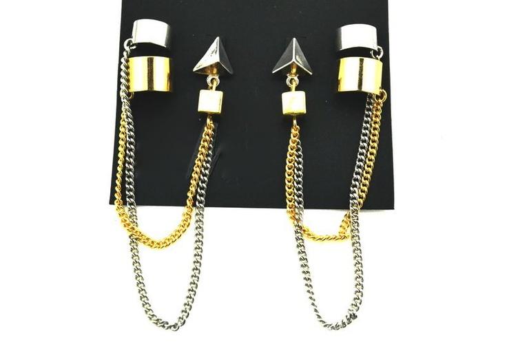 26. Punk ear cuff + earrings $5