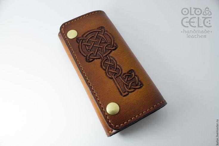 Купить Кожаная ключница Старый кельт - коричневый, орнамент, кожаная ключница, тиснение по коже