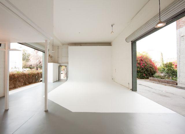 photo studio W/ natural light & Best 25+ Studio rental ideas on Pinterest | Studio apartments ... azcodes.com