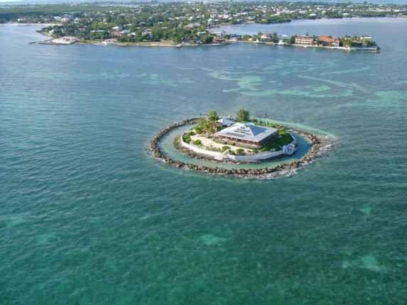 East Sister Rock Island, Marathon Florida   Private ...