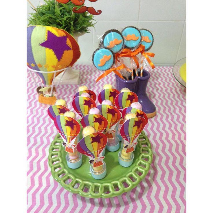 Pirulitos decorados #bita #mundobita Balão de feltro @caramelo_recife