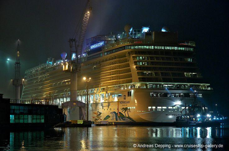Norwegian Getaway - Ems conveyance _ November 2013 - ncl getaway0142 - Cruise Ships from Papenburg / Germany