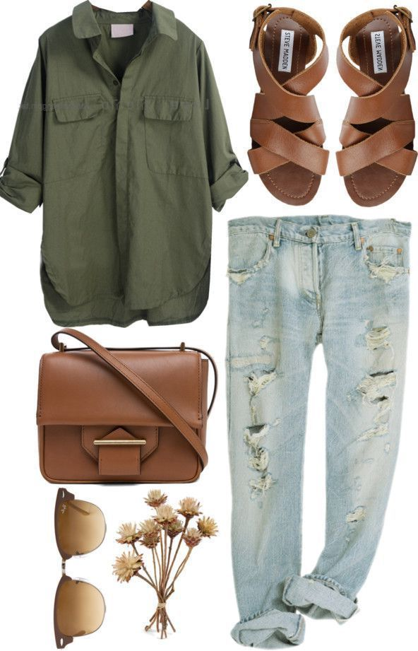 Timeless And Comfy Jean Outfits For Travelling 3