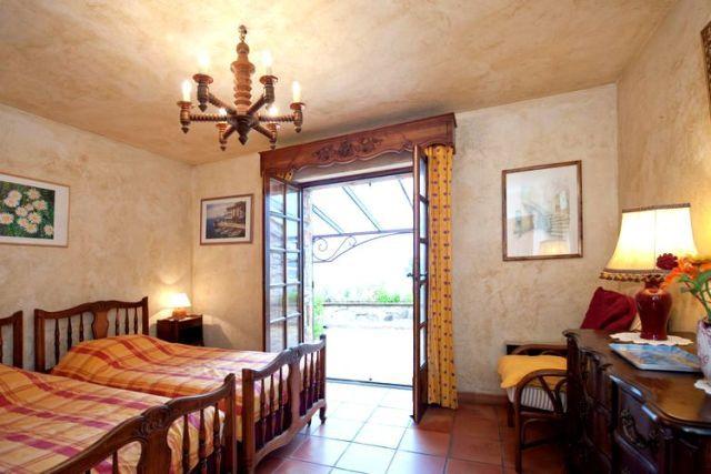 Mas provençal avec chambre aérée