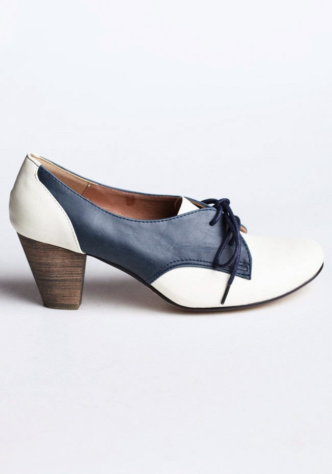 Chelsea Crew Susan Oxford Heels In Blue And White