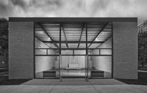 Mies van der Rohe, Robert F. Carr Memorial Chapel of St. Savior, IIT Chicago (1949-1952)