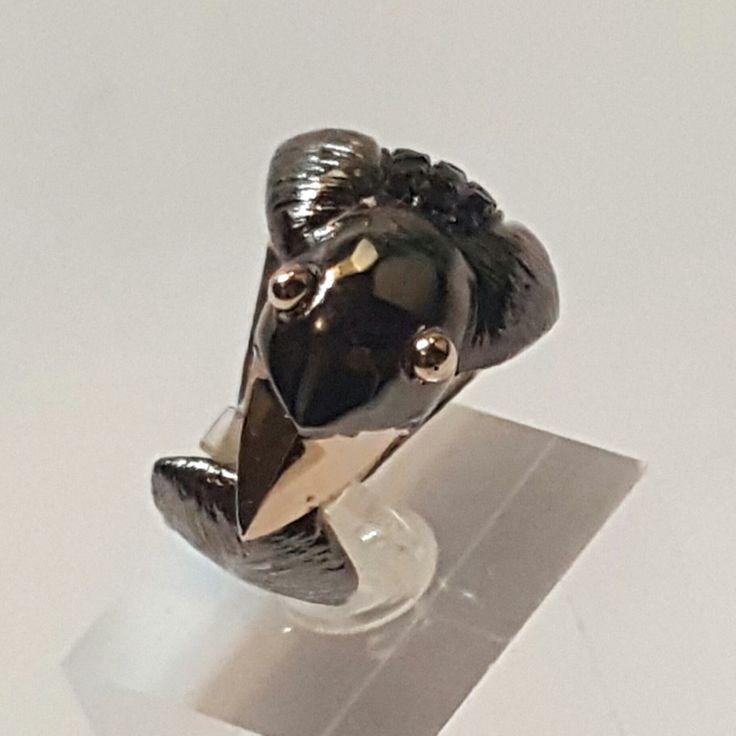Baht yüzük. Karga. Crow ring. jewellery with black diamond. Gold and silver.