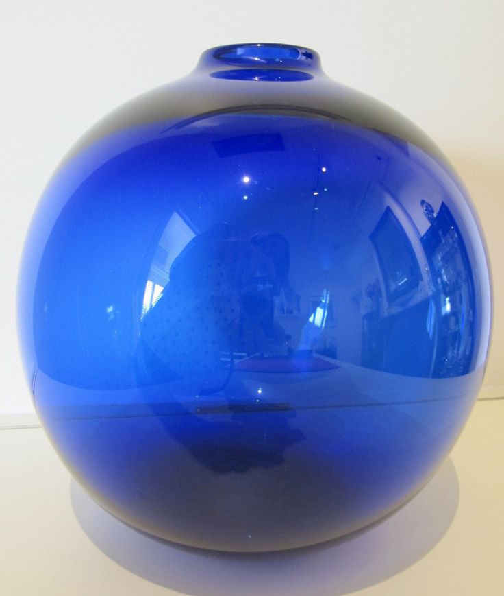 A Rare Vintage Holmegaard 'Kugle Krukker' vase designed by Per Lutkin and made in 1966. A stunning deep blue colour, measuring 22cm in diameter.