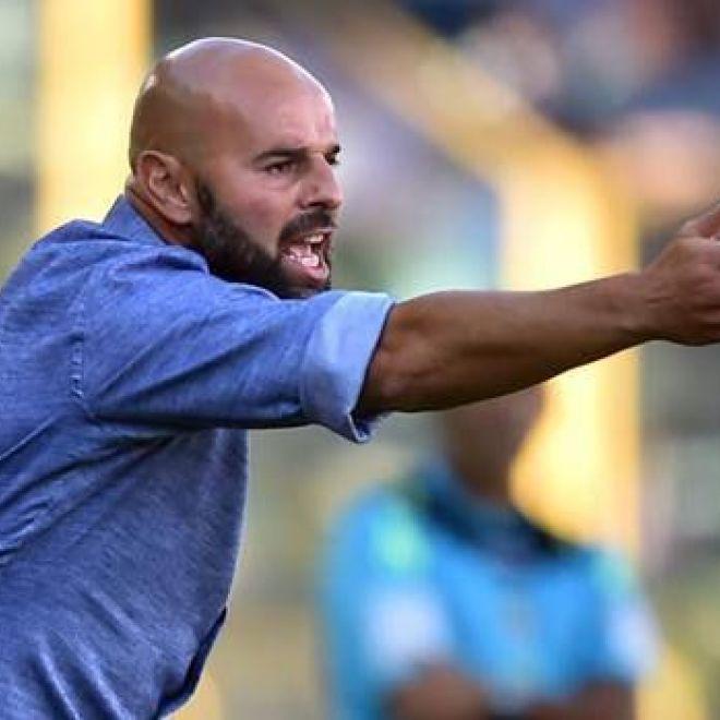 Frosinone - Sassuolo Probabili Formazioni Quote e Consigli per il Fantacalcio Seconda sfida in Serie A tra Sassuolo e Frosinone dopo il 2-2 della gara di andata: i neroverdi erano imbattuti anche nei sei precedenti di Serie B con i ciociari (4V 2N). Se il Frosinone non dovesse vincere contro il Sassuolo sarebbe matematicamente retrocesso in Serie B. Il Frosinone ha vinto solo in una delle ultime otto giornate di campionato: cinque sconfitte e due pareggi nel parziale. Il Sassuolo ha…