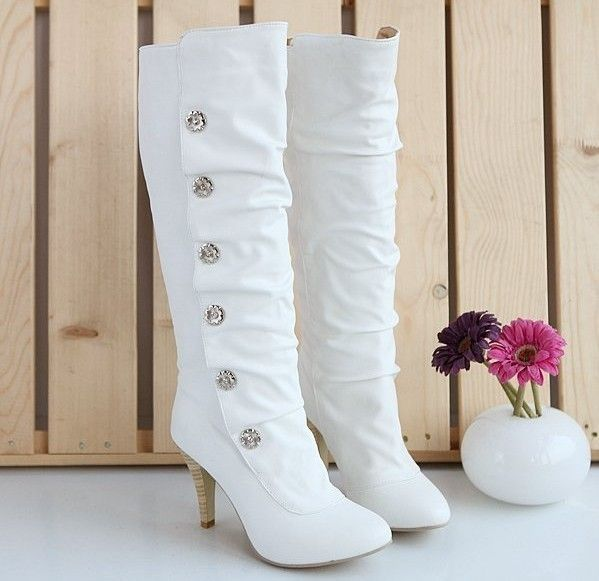 cute boots, winter wedding. These are sooo cute!!
