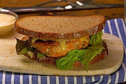 Lachsburger mit Sweet-Chili-Mayonnaise, ein schmackhaftes Rezept aus der Kategorie Snacks und kleine Gerichte. Bewertungen: 5. Durchschnitt: Ø 3,9.