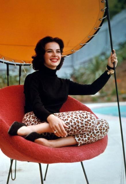 Natalie Wood: Capri Pants, Leopards Pants, Black Turtleneck, Timeless Style, Leopards Prints, Animal Prints, Nataliewood, Retro Style, Natalie Wood