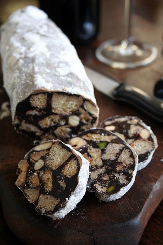 Salame al Cioccolato - Saucisson au Chocolat - http://sandrakavital.blogspot.com/2009/12/salame-al-cioccolato-saucisson-au.html