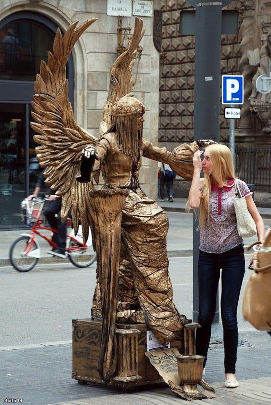 Estatuas vivientes en Rambla St. Josep, Barcelona