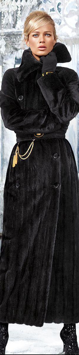 Carolyn Murphy for Blackglama     LOLO