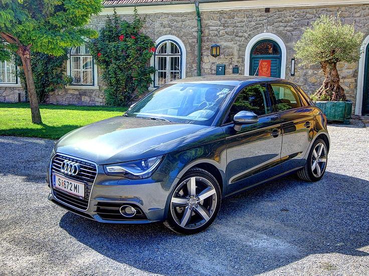 [Audi A1 Sportback 1,4 TFSI S tronic Ambition] Seit Frühjahr 2012 bietet Audi sein Einstiegsmodell auch als praktischen Sportback mit fünf Türen an, in unserem Test zeigt der 1,4 TFSI mit S tronic, was er kann. #audi #a1 #sportback #stronic