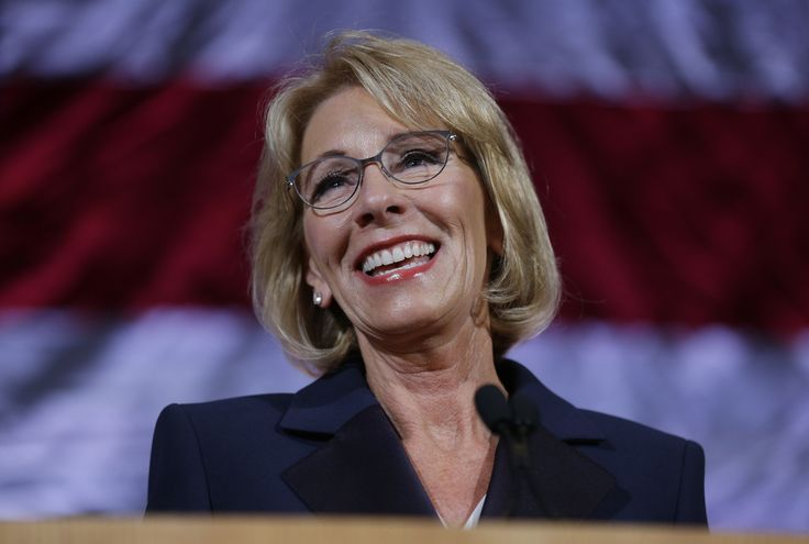DeVos may only partly forgive loans for students defrauded by for-profit-colleges - Chicago Tribune #college #collegestudents