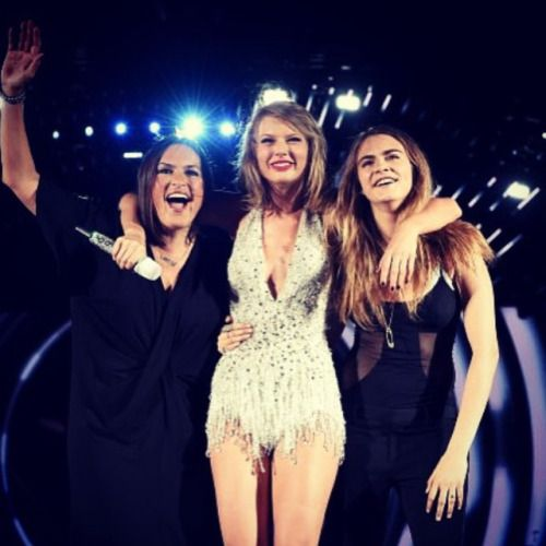 What a special night  @therealmariskahargitay @taylorswift