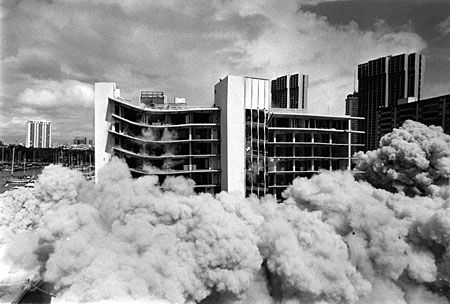 The old Kaiser Hospital in Waikiki was demolished in 1986 ...
