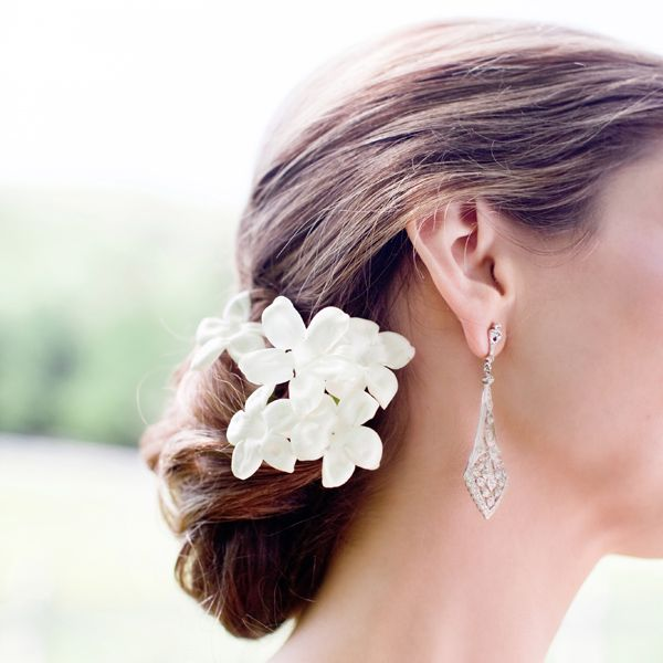 Sweet stephanotis dress up wedding hair beautifully! Stephanotis is available for the most part year-round at GrowersBox.com.: Wedding, Wedding Ideas, Dress, Bridal Hairstyles, Dream Wedding, Hair Style, Wedding Hairstyles, Flower