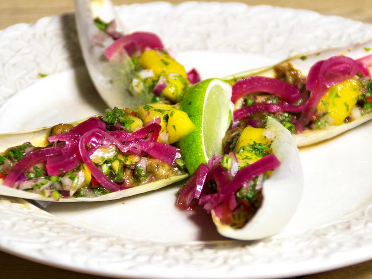 Wraps med fläsksida, chilimajonnäs och mangosalsa | Recept från Köket.se