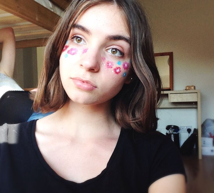 Short hair, flower garden face paint