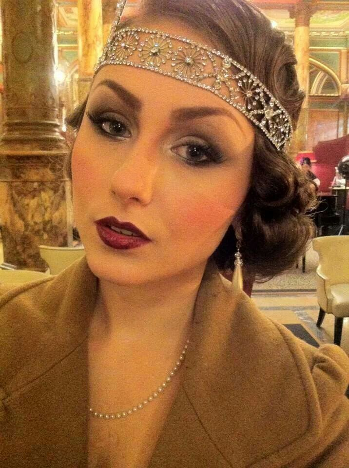 Cool 20s hairstyle
